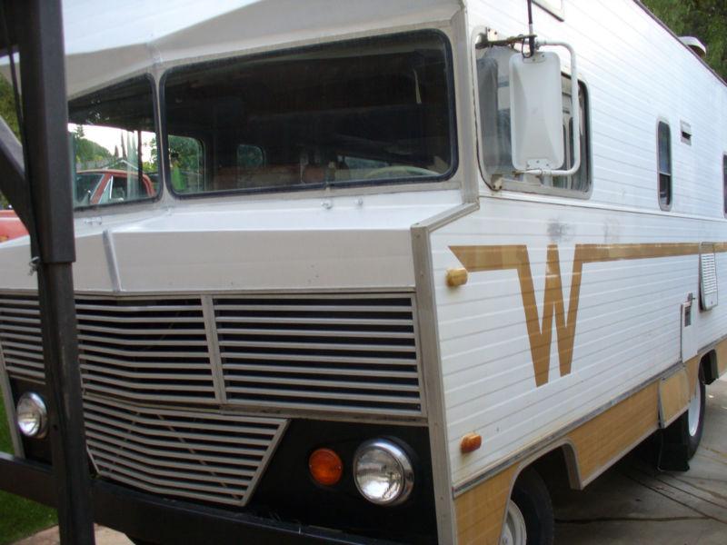 VINTAGE WINNEBAGO CAMPING car 20F ビンテージウイネベーゴ 中古車 デソート